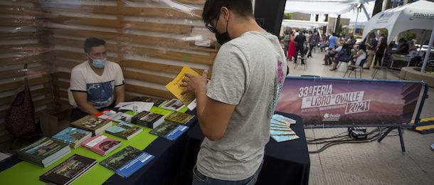 Feria del libro de Ovalle continúa con éxito presencial y virtual